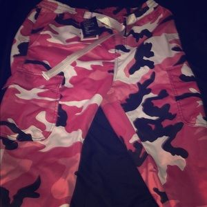 Trendy camo pink pants